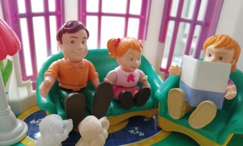 Ankieta i domek dla… lalek
