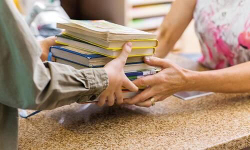Sprawdzone sposoby na pozyskanie książek do biblioteki szkolnej