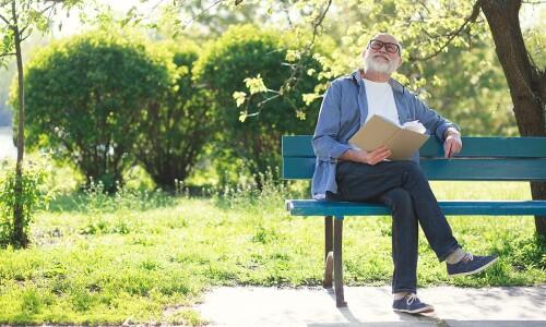 Seniorzy w pełni zdrowia, mądrości i wigoru