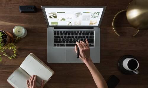 Jak przygotować się do stworzenia bibliotecznej strony internetowej?