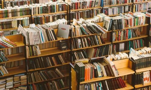 """NSZZ """"Solidarność"""" chce spotkania z MEiN w sprawie problemów nauczycieli bibliotekarzy"""